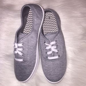 Shoes - Ladies Gray Sneakers (New)